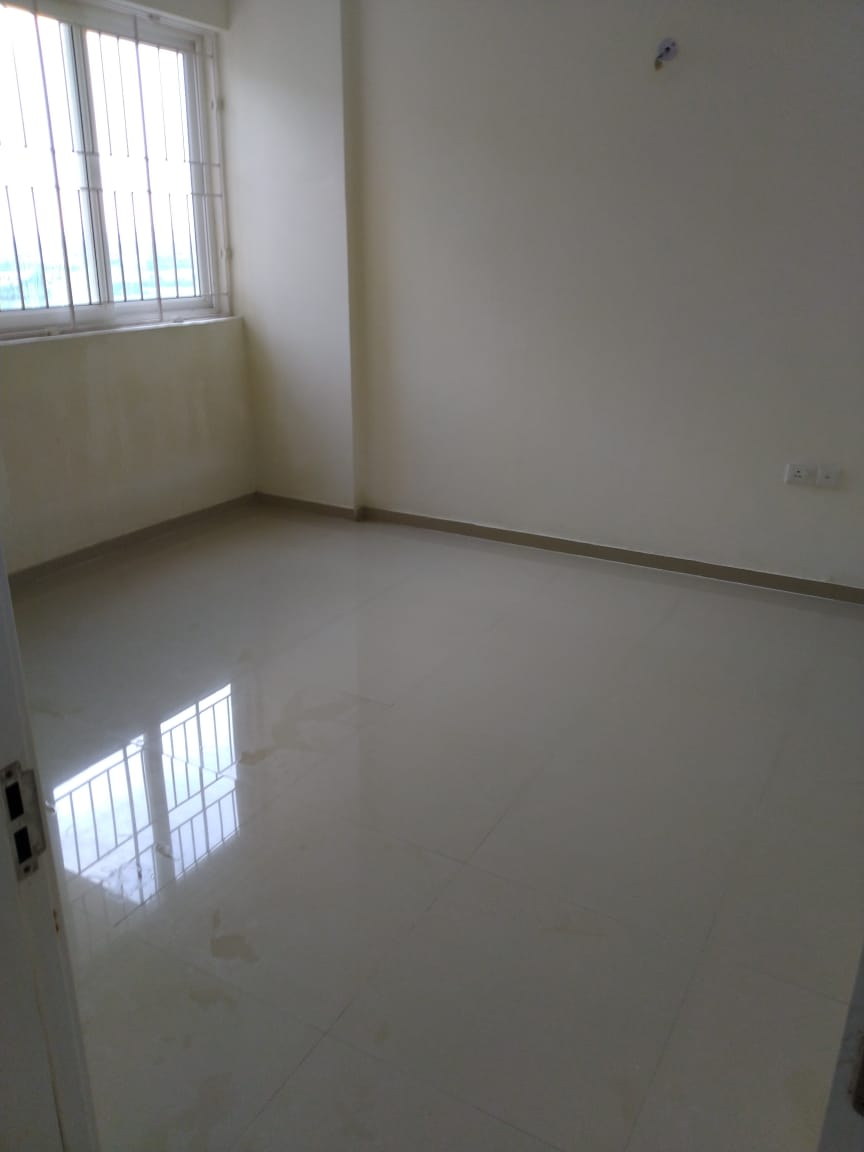 a semifurnished flat for sale in DLF G ardencity, omr